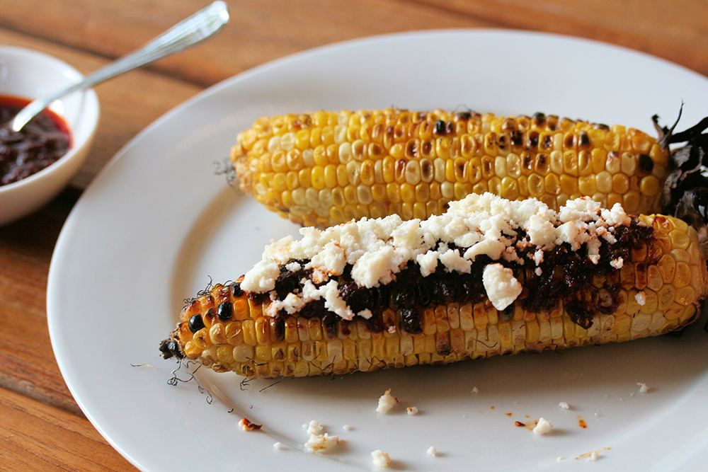 Grilled Mexican Corn on the cob recipe (elotes a la parrilla)