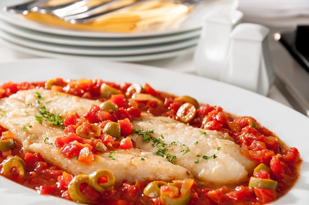 Veracruz style fish recipe pescado a la veracruzana for Fish veracruz recipe