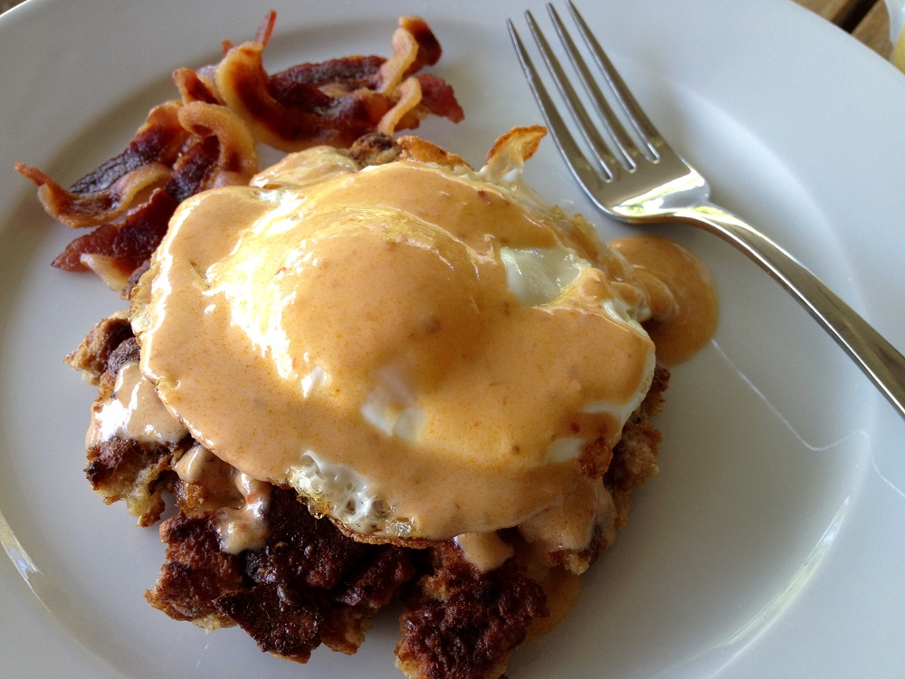 Fried eggs on stuffing cakes