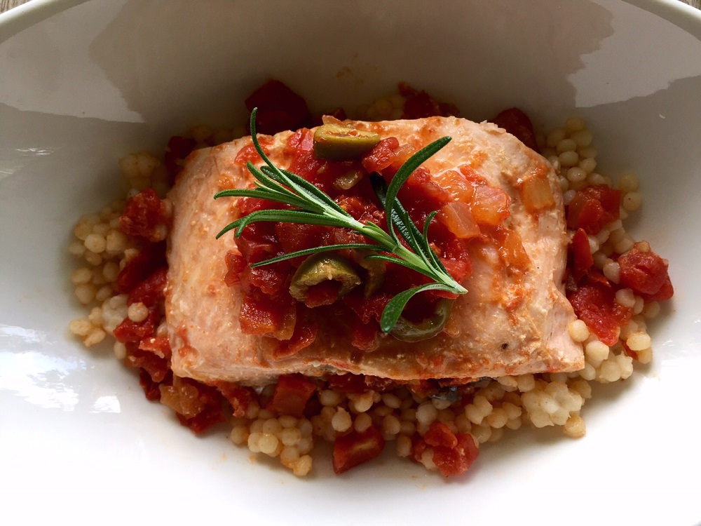 Roast salmon with spicy tomato sauce
