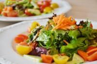 salad-lettuce-tomatoes-carrots