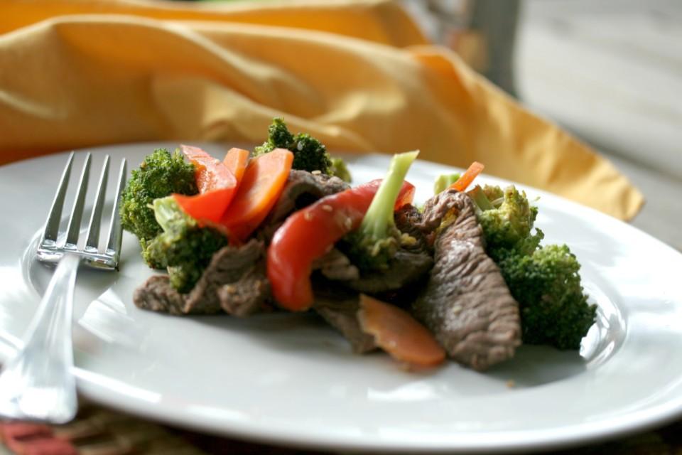 Beef broccoli carrots stir-fry