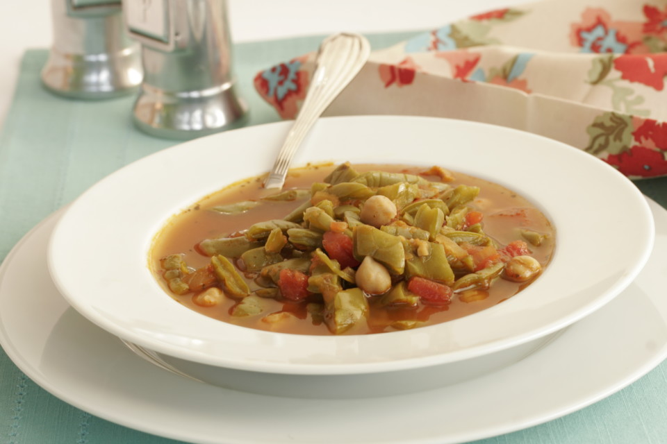 chickpea and nopales soup